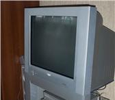 Foto в Электроника и техника Аудиотехника Продам телевизор с фирменной стойкой Philips в Челябинске 16000