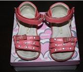 Foto в Для детей Детская обувь продам босоножки 19 размер,застежка на липучке,спереди в Москве 100